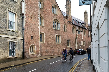 cambridge-487749_640