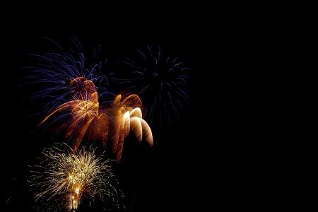 fireworks-1885571_1920